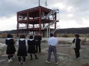 ⑥大牟田中学校の生徒も、被災地…